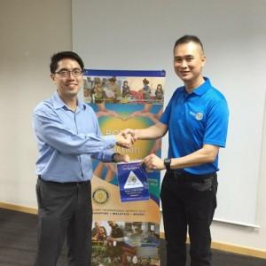 Token Presentation to Dr David Su